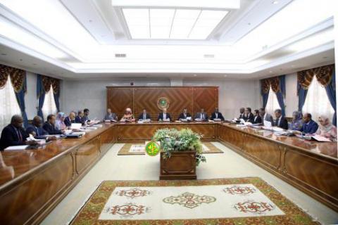 الوزاري يناقش مشروع مرسوم بفتح السن أمام الترشح لمسابقة المعهد العالي